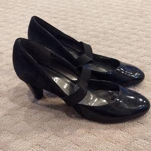 DKNY black Mary Jane heels